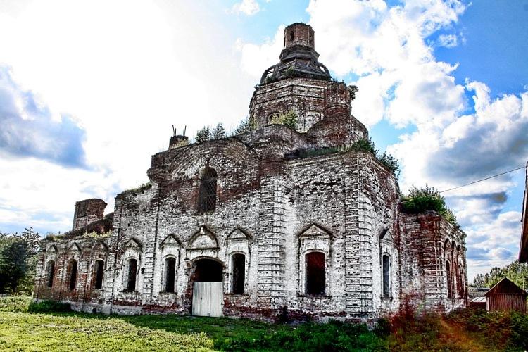 Церковь в селе Лысая Гора.