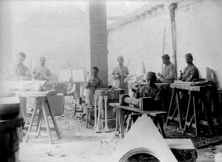 """1894. Produktion des """"Antiken Griechenlandes""""."""