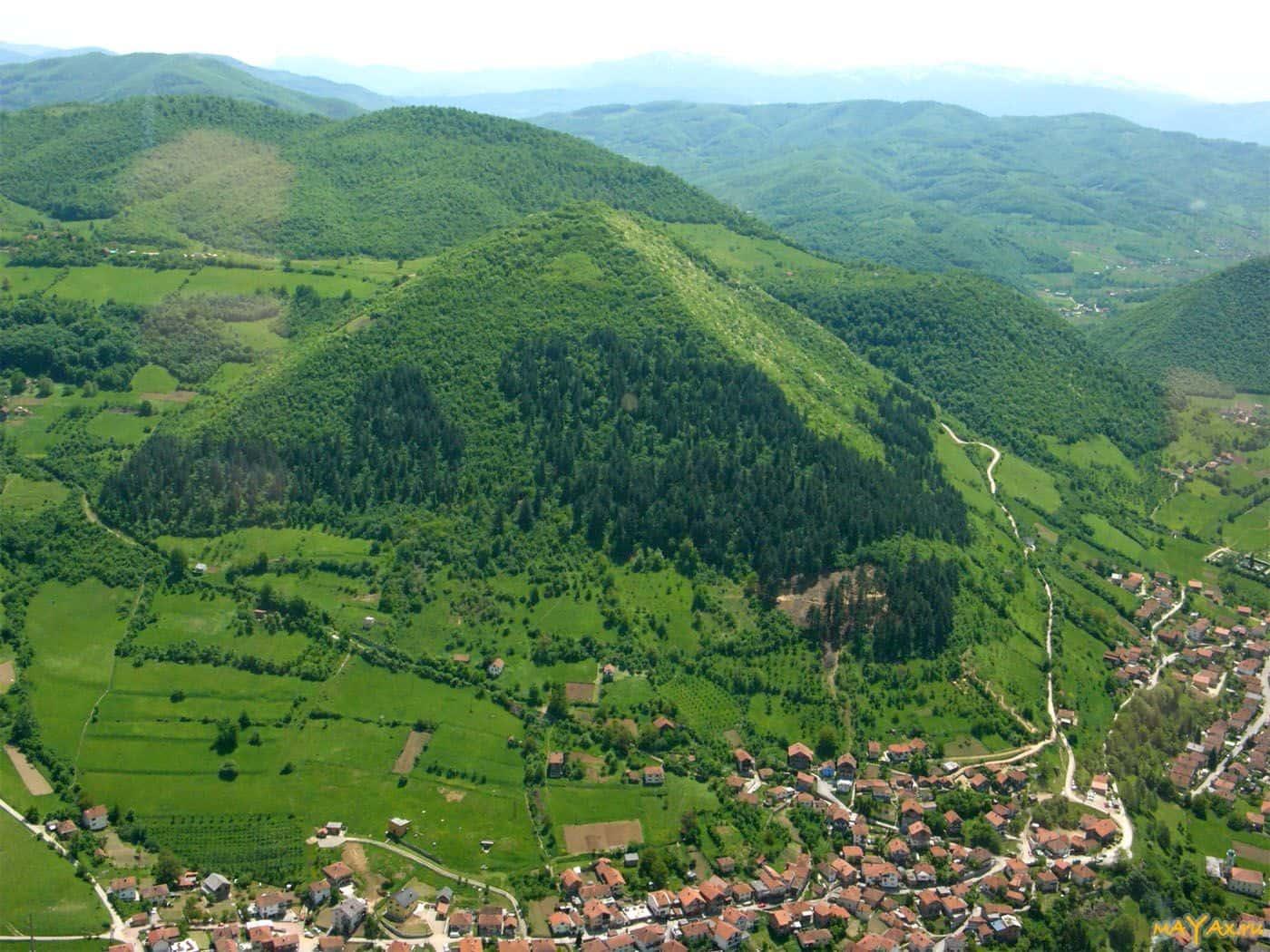 Пирамида в Високо. Босния Герцеговина.