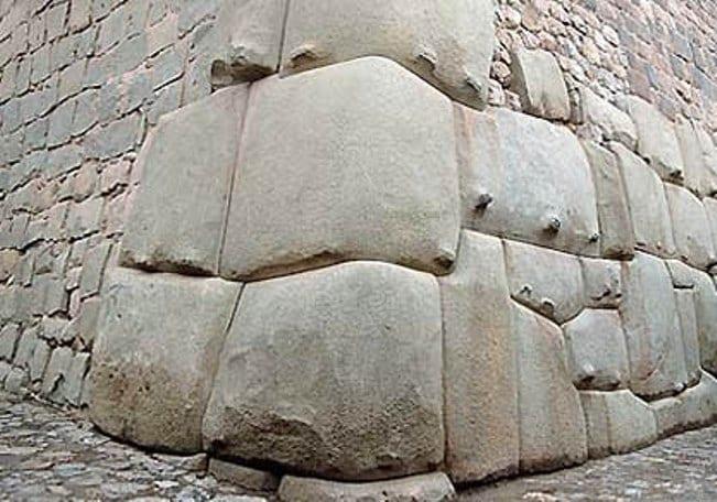 Saksajyaman. Peru.