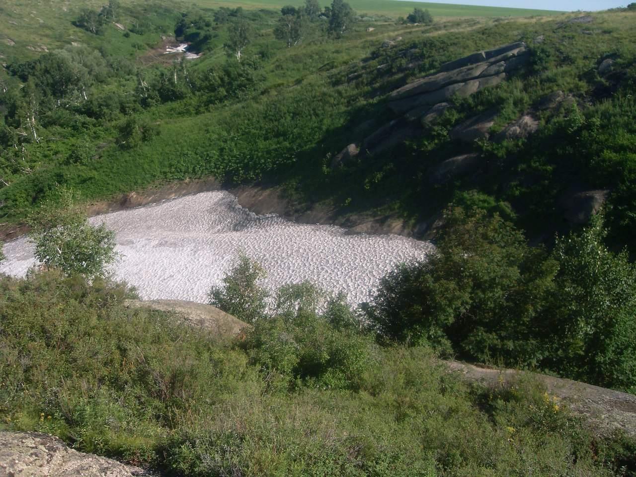 Ледник в окрестностях деревни Саввушкино.