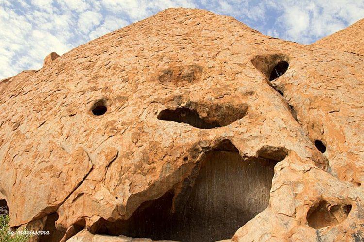 Kamenný monolit Uluru-Kata Tjuta, Austrálie