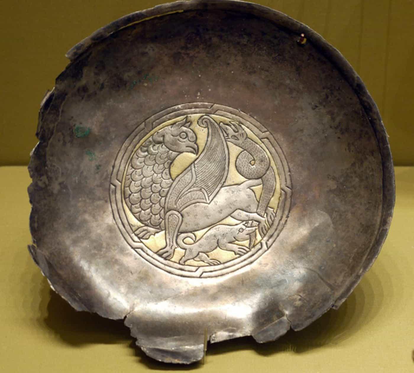 Блюдо времён Тартарии. Медь, серебро, позолота. Найдено близь Тюмени.