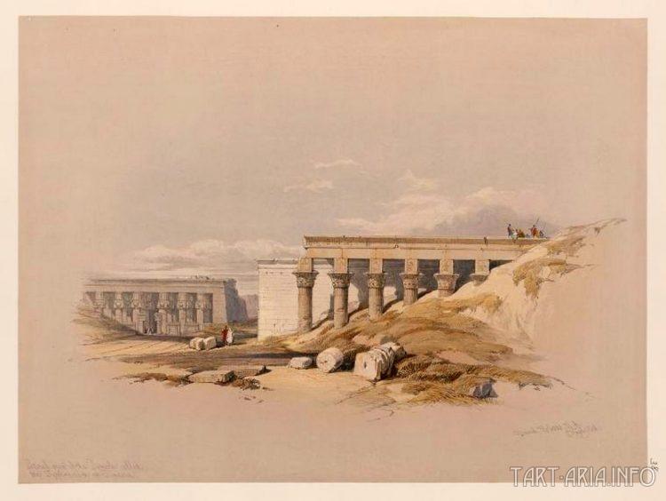 Боковой вход в храме Тиффонея в Дендере.