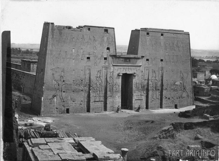 Эдфу, храм Гора 1860 г.