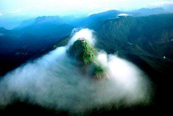 Гора Пик Адама, Шри Ланка.